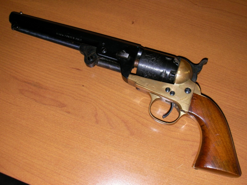 Question sur un patent navy 1851 (replique) Gun_0013
