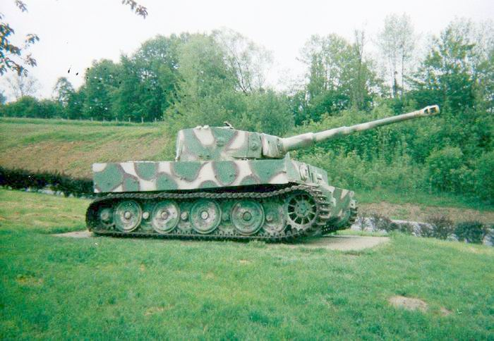 Char Churchill 25-tig10