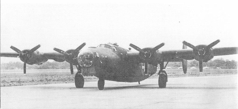 "Le Consolidated B-24 ""Liberator"" B-24__10"