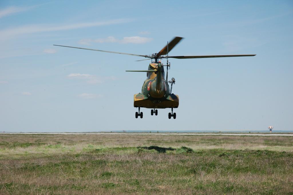 Elicoptere civile, militare, utilitare - 2008 - Pagina 2 01410