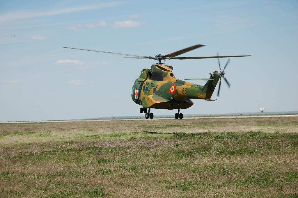 Elicoptere civile, militare, utilitare - 2008 - Pagina 2 01710