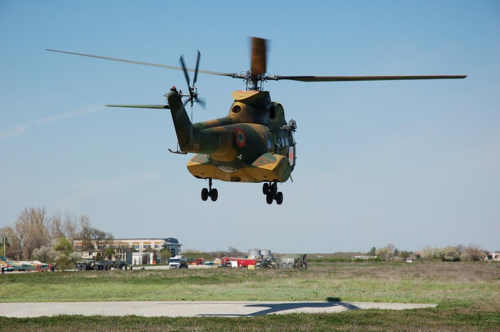 Elicoptere civile, militare, utilitare - 2008 - Pagina 2 02010