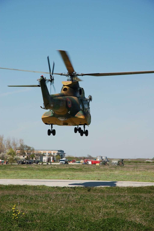 Elicoptere civile, militare, utilitare - 2008 - Pagina 2 02210