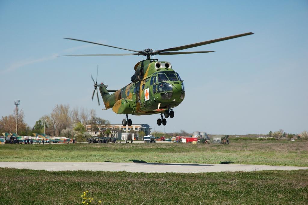 Elicoptere civile, militare, utilitare - 2008 - Pagina 2 02410
