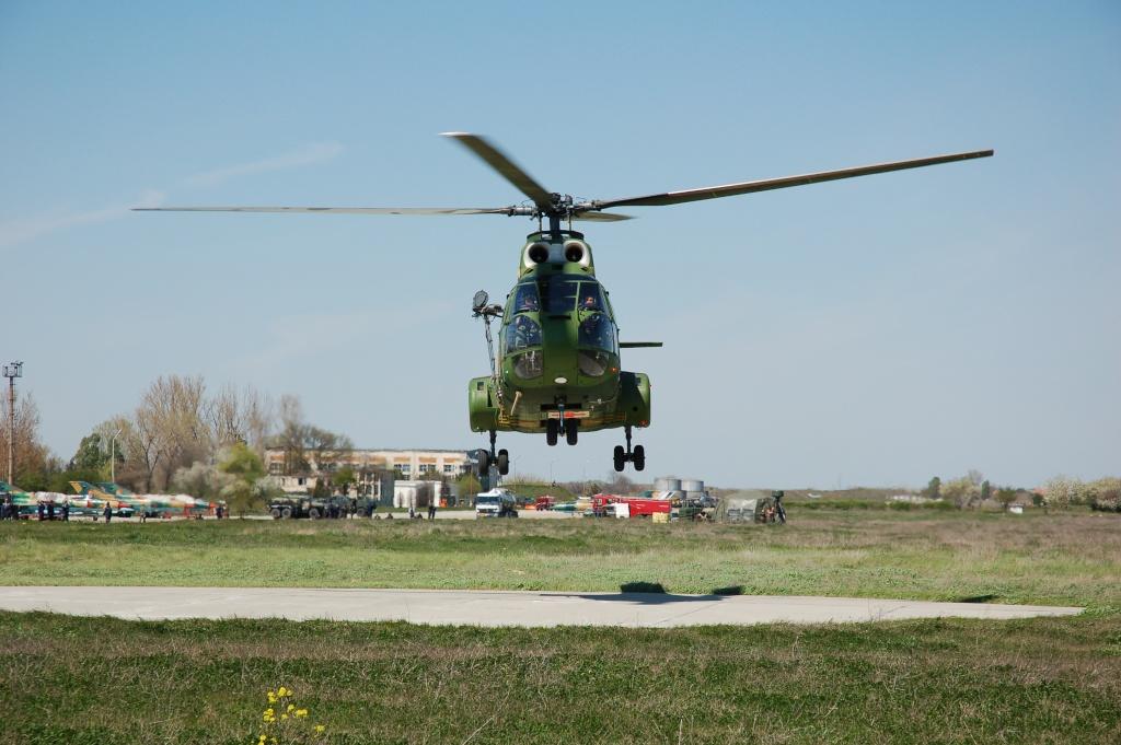 Elicoptere civile, militare, utilitare - 2008 - Pagina 2 02510