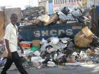 La nouvelle administration haitienne  croule sous des tonnes de détritus L2hlcm10