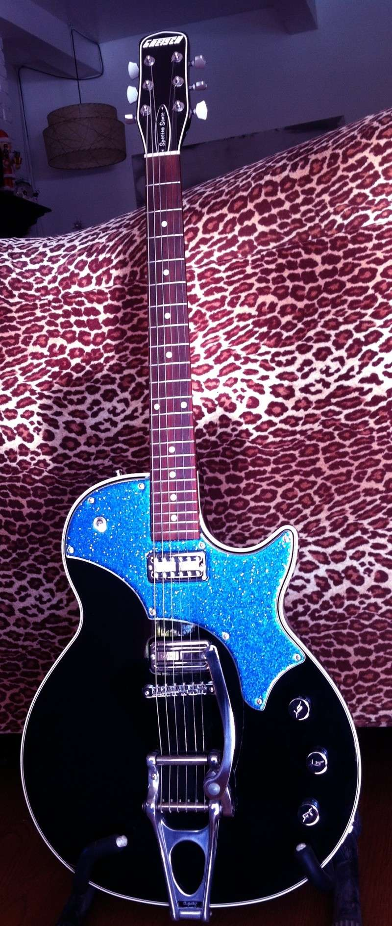 Welcome to the new forum, tell me about your rocking geetar! Img_1611