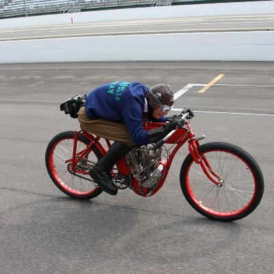 Ils ont posé avec une Harley - Page 39 20080810