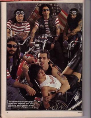 Ils ont posé avec une Harley, principalement les People Magpic12