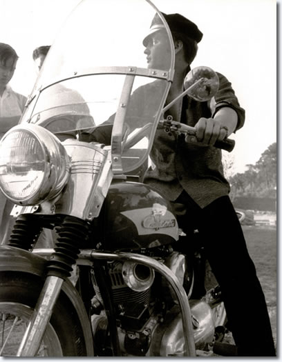 elvis presley the KING Motorc19