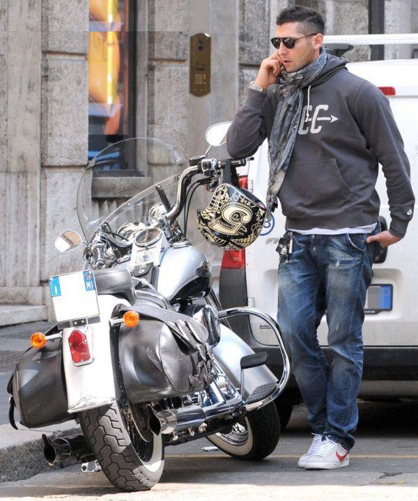 Ils ont posé avec une Harley, principalement les People Vh201210