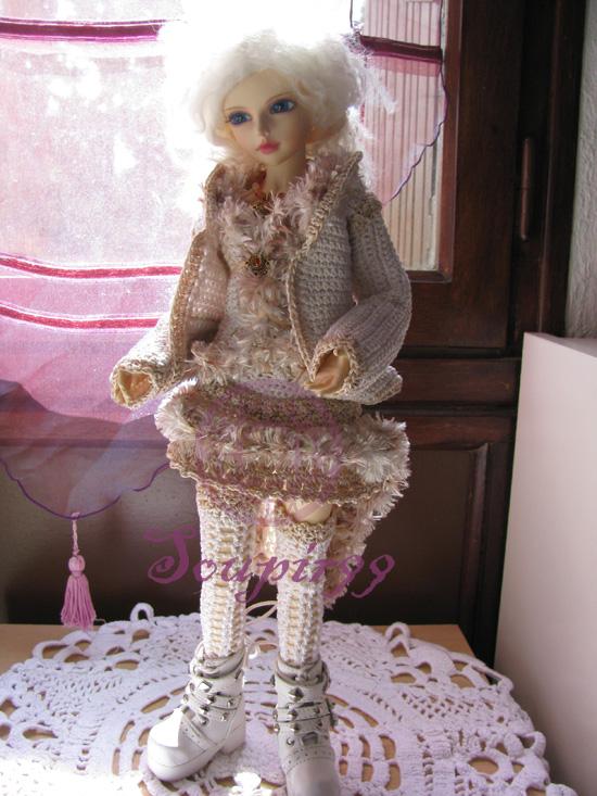 Crochet maniac -quand le crochet se fait couture!!! - Page 4 Lady-i11