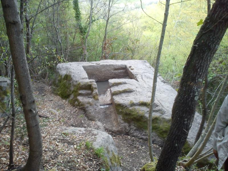 Bomarzo Pyramide Dsc00714