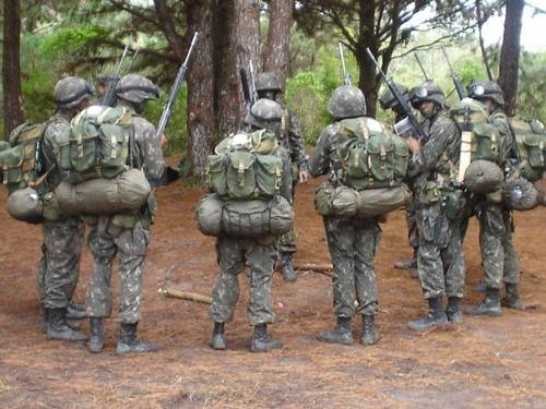 Camouflages du monde entier Atgaaa10