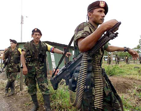 [En construction] Guerilla Marxiste (Sud-américain) Farc_s10