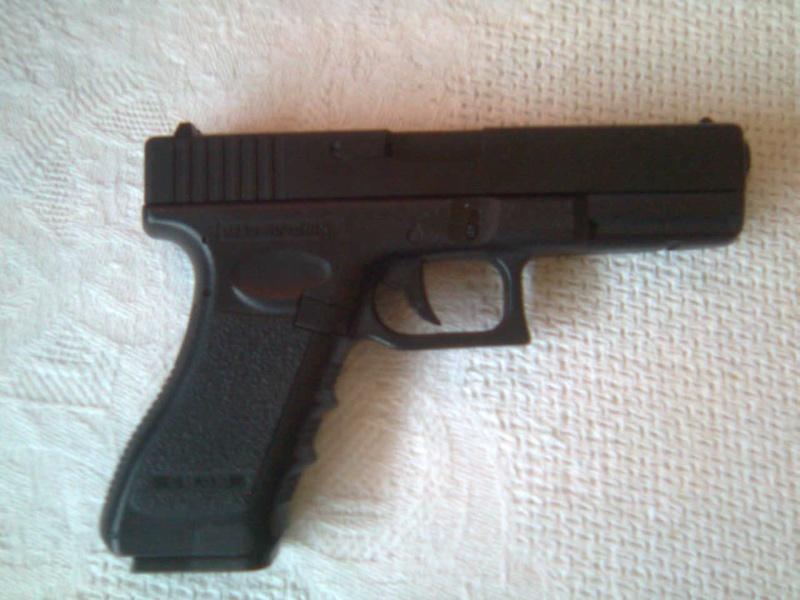 Review Cyma Glock 18 Photo033