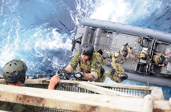 Projet en cour tenue US navy Seals-10