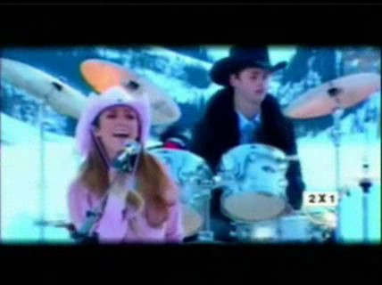 Slike iz spotova Rebelde,Solo Quedate En Solencio,Salvame... 0581c710