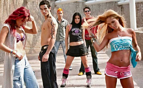 Slike iz spotova(Nuestro Amor,Aun Hay Algo) Rebeld10