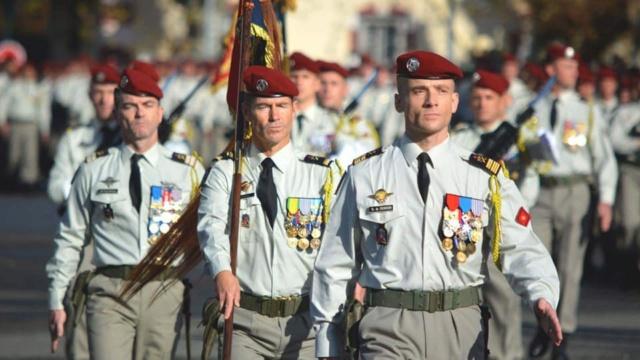 Le 35e régiment d'artilleurs parachutistes de Tarbes est guidé par sainte Barbe 47384210