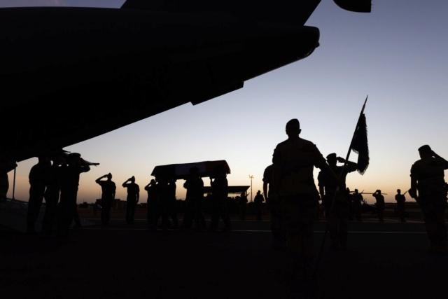 Mort en opération de treize militaires lors de la collision de deux hélicoptères au Mali  Ekpnrd11