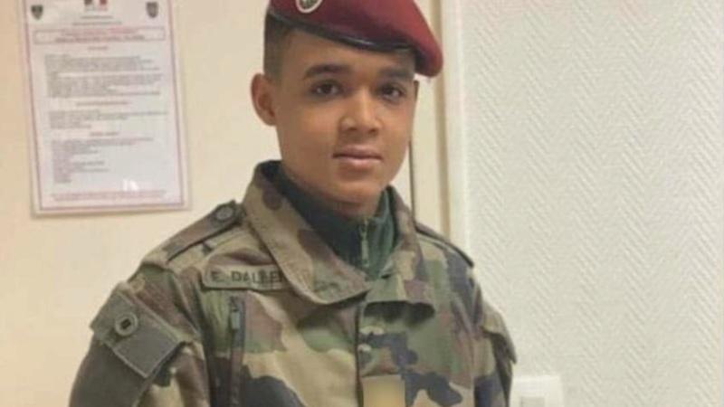 Erwan, 19 ans, jeune parachutiste mort poignardé Erwan-10