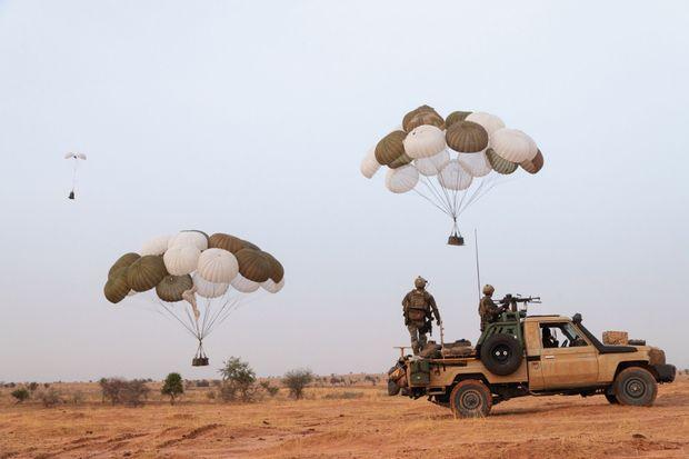 Niger : en mission avec les commandos parachutistes L-heur11