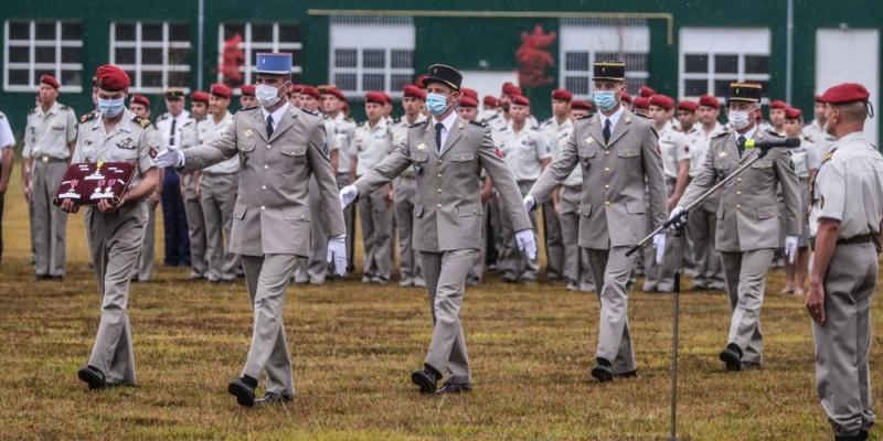 Pau : quatre militaires décorés pour la fête du saint patron des paras Les-qu10