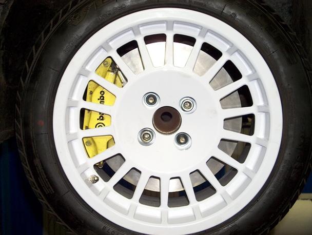 Gros freins  de 305mm Dopo10