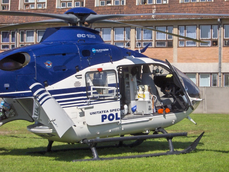 Elicoptere civile, militare, utilitare - 2008 - Pagina 3 Ec_13511