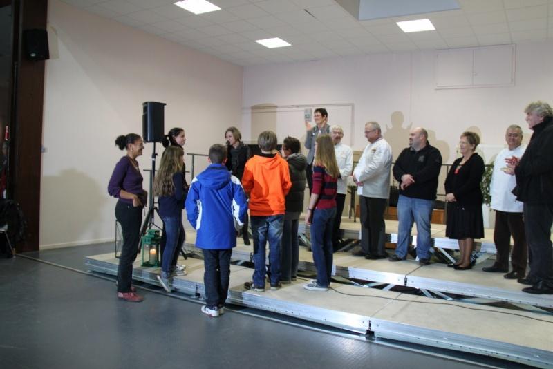 Des élèves de 4ème du collège Grégoire de Tours de Marlenheim ,troisième au concours de bredle de Wangenbourg Img_0254