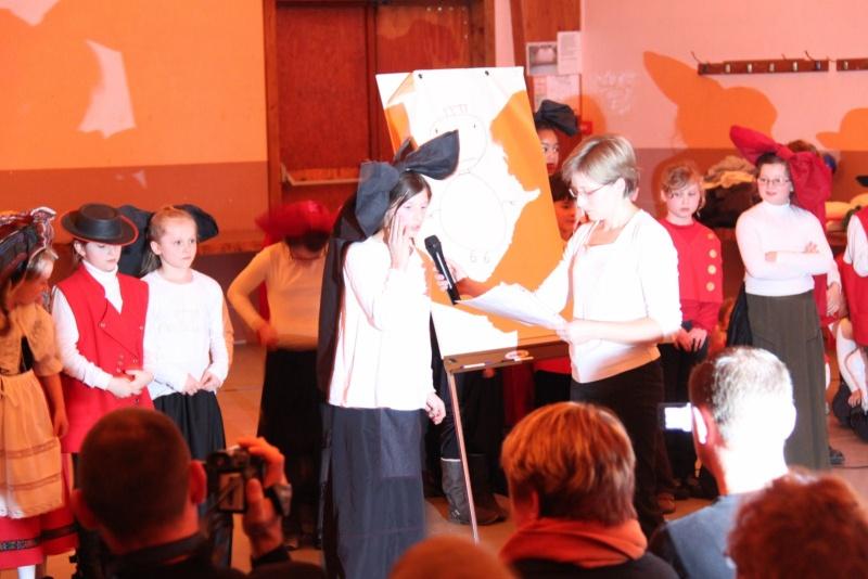 Fête de noël des écoles de Wangen le vendredi 9 décembre 2011 à 18h30 Img_9720