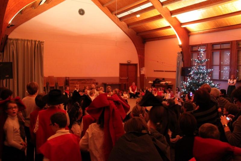 Fête de noël des écoles de Wangen le vendredi 9 décembre 2011 à 18h30 Img_9721