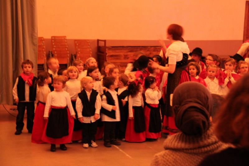 Fête de noël des écoles de Wangen le vendredi 9 décembre 2011 à 18h30 Img_9811