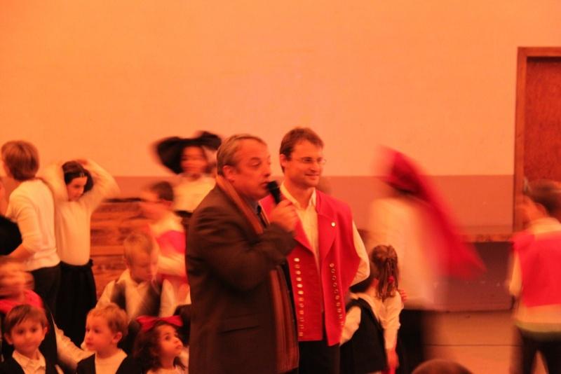 Fête de noël des écoles de Wangen le vendredi 9 décembre 2011 à 18h30 Img_9818