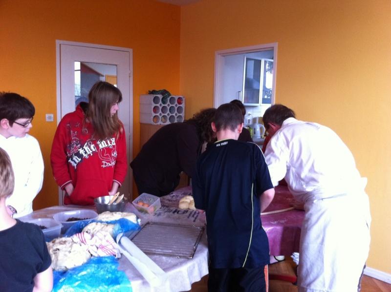 """"""" Atelier  brioche""""  à la maison C du Freihof à Wangen mercredi 30 novembre 2011 Iphone13"""