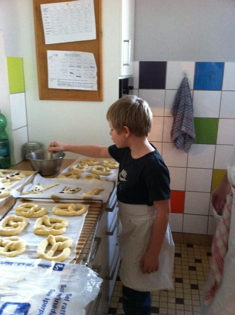 """"""" Atelier  brioche""""  à la maison C du Freihof à Wangen mercredi 30 novembre 2011 Iphone41"""