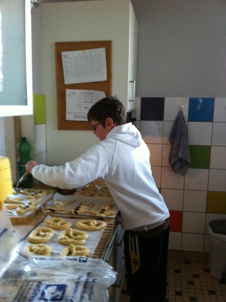 """"""" Atelier  brioche""""  à la maison C du Freihof à Wangen mercredi 30 novembre 2011 Iphone46"""