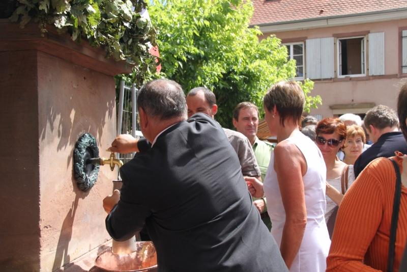 Wangen : Fête de la Fontaine le 8 juillet 2012 Pisci111