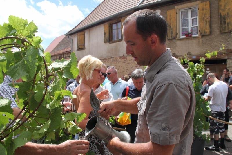 Wangen : Fête de la Fontaine le 8 juillet 2012 Pisci140