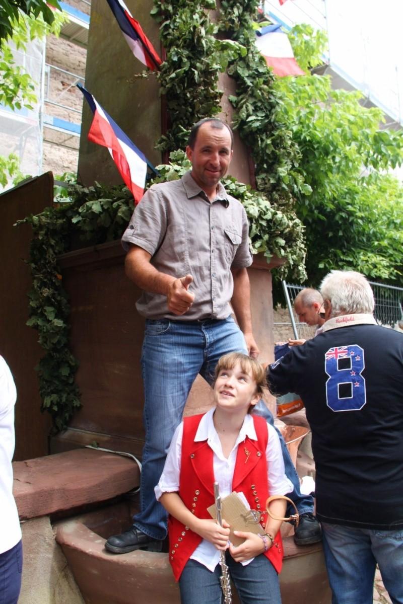 Wangen : Fête de la Fontaine le 8 juillet 2012 Pisci158