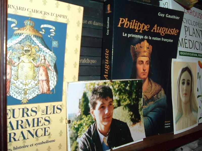 Henri V de la croix le futur roi de France - Page 2 2006_012