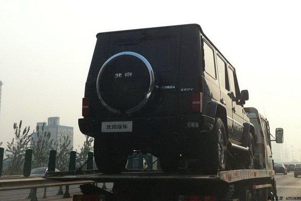 Китайцы клонировали самый известный в мире внедорожник 00210
