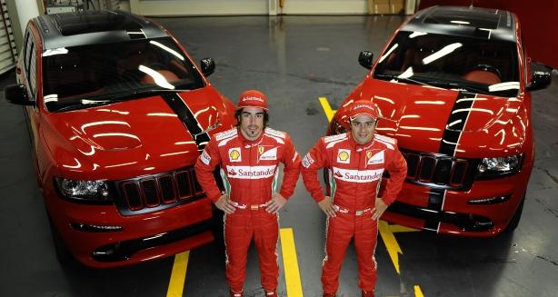 Новый Jeep® Grand Cherokee SRT8® 2012 модельного года цвета Ferrari Red для звезд Формулы-1 Фернандо Алонсо и Фелипе Масса. 1127