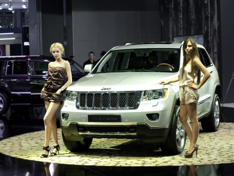 Jeep&Girl Bg102410