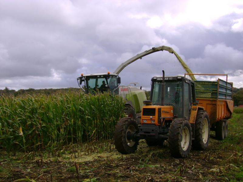 Ensilage de maïs 2008 - Page 3 Dsc04511