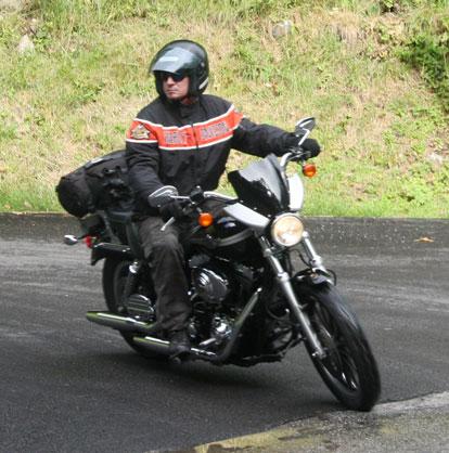 """""""Dyna Sport Touring"""" nous ne sommes que 2? Moto10"""