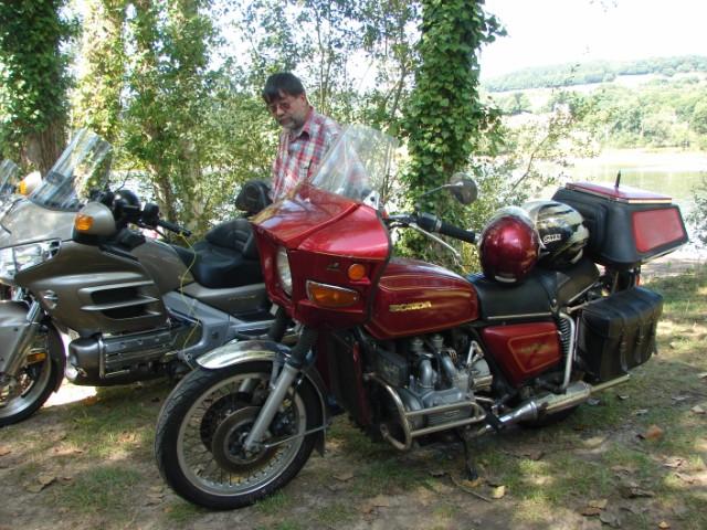 motos anciennes & nouvelles  Dsc05415