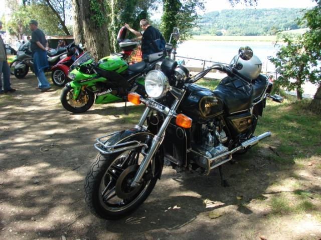 motos anciennes & nouvelles  Dsc05420