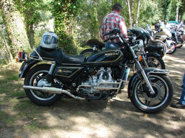 motos anciennes & nouvelles  Dsc05421